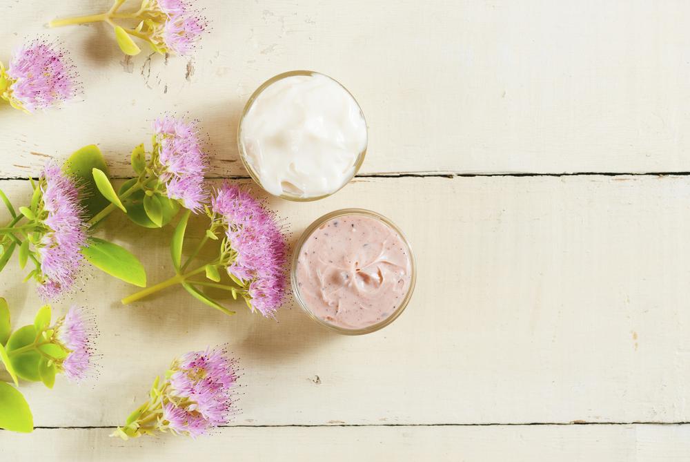 Crème et plantes chez Shutterstock